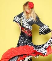 Цыганский женский национальный костюм № 3