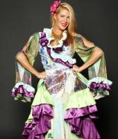 Цыганский женский национальный костюм № 4