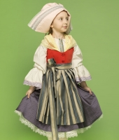 Traditional French Costume for rent for a girl