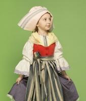 Французский национальный костюм для девочки