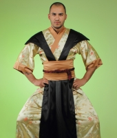 Костюм самурая в золотом исполнении в прокат