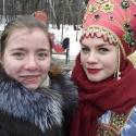 Посетители праздника Масленицы в Сокольниках