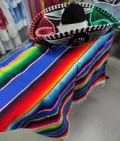 Мексиканский костюм состоит из пончо и сомбреро