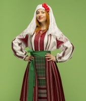 Women Moldavian national costume for rent