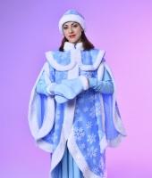 Костюм Снегурочки в прокат. Таких костюмов у нас 3 одинаковых.