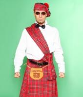Шотландский национальный красный костюм
