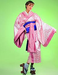 Прокат японских кимоно для гейш и костюмов самураев