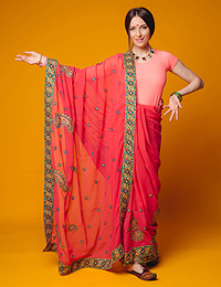 Предлагаем индийские мужские и женские костюмы (сари) в прокат.